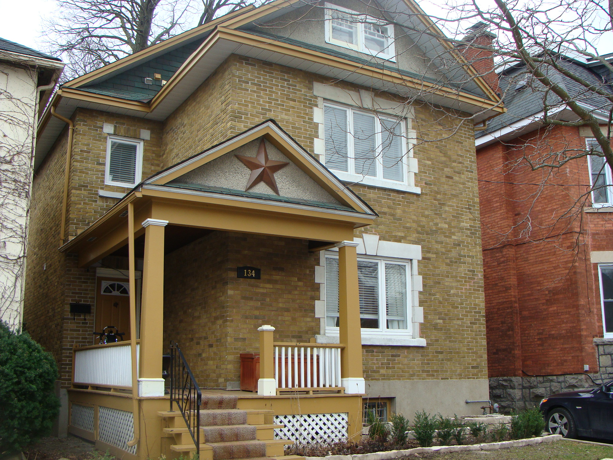 134 Brighton Ave. - Old Ottawa South Short Term Lease 4-6 Months